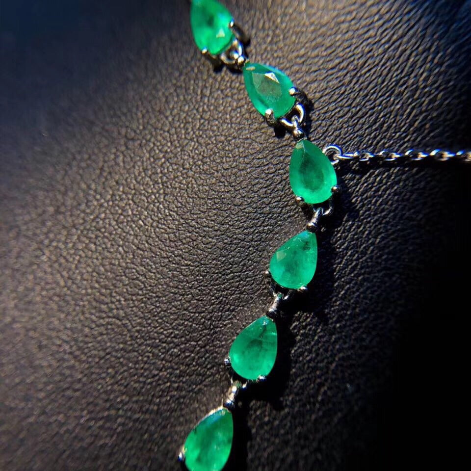 Sterling silver emerald stone necklace