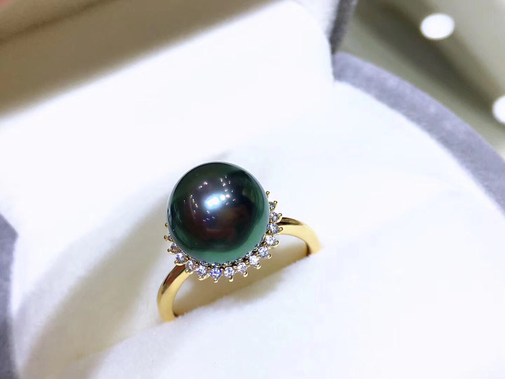 Natural AAA grade green peacock ring