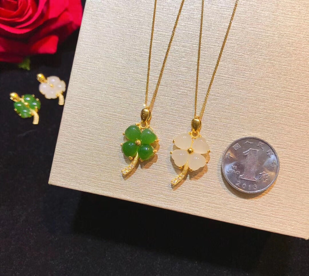 18k gold clover green/white pendant necklace - Xingjewelry