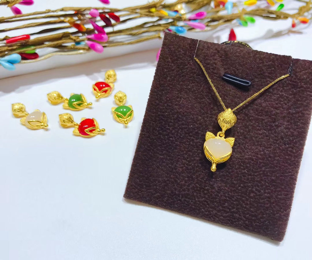 18k gold fox jade pendant necklace