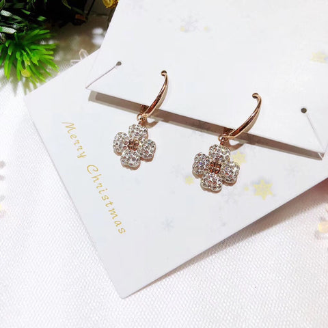 Silver zircon flower earring