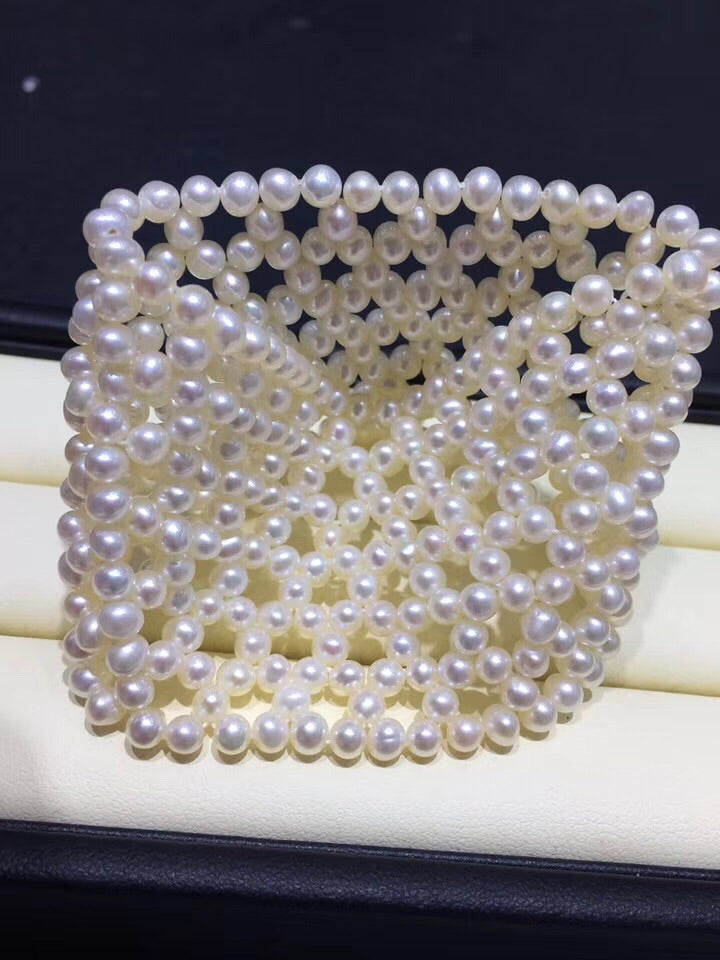 Natural fresh pearl bangle bracelet