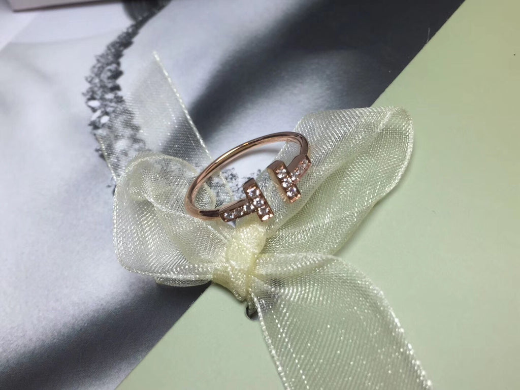 Tiffany gold diamond ring