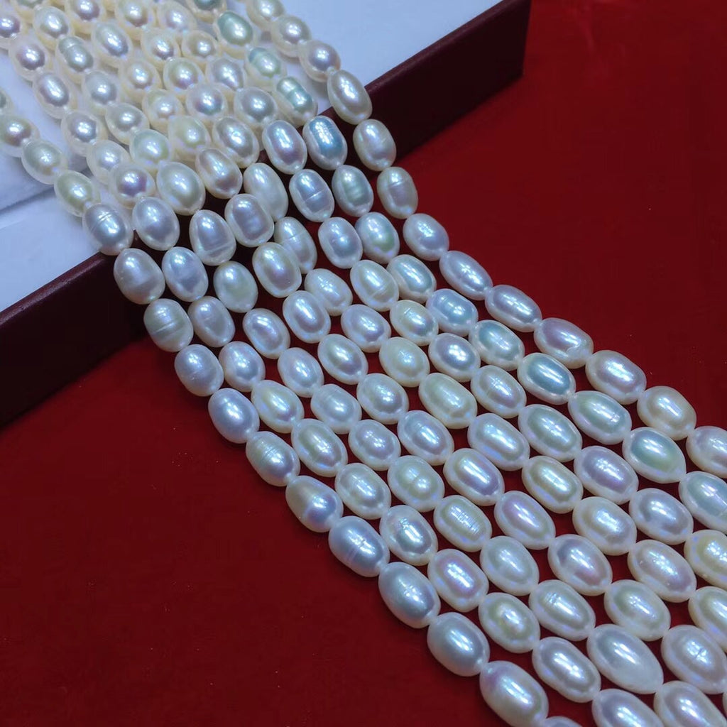 Fresh water white pearl necklace