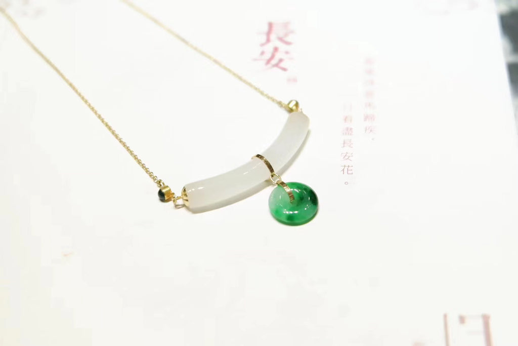 18k gold white/green jade pendant necklace