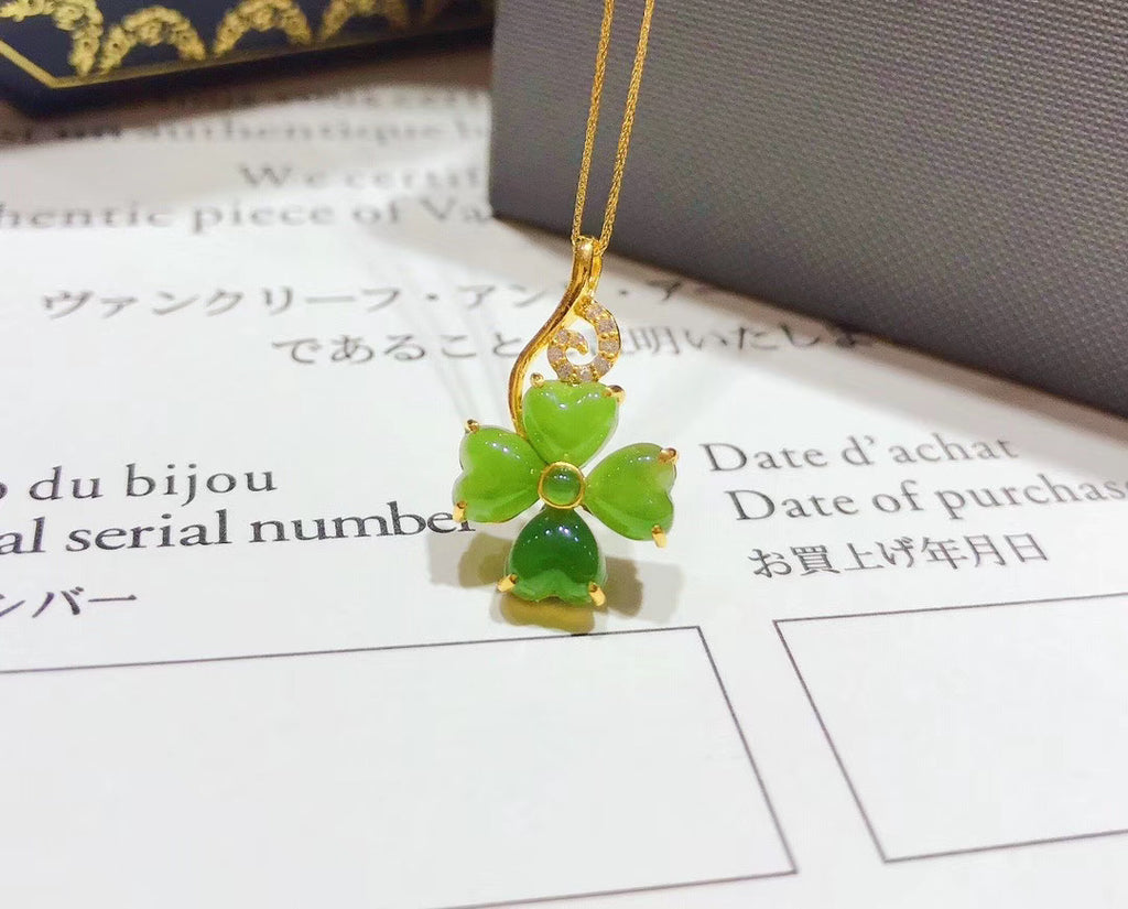 18k gold green jade clover pendant necklace