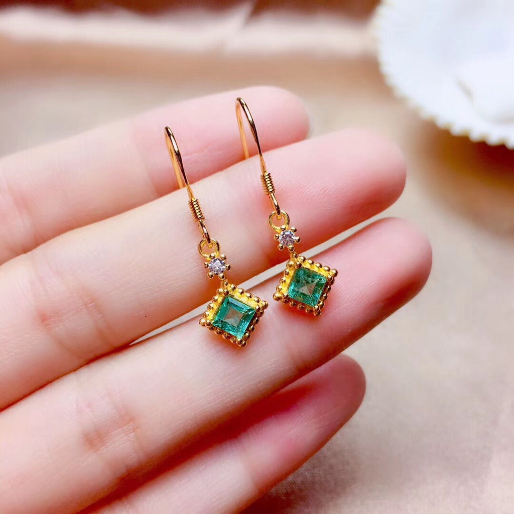 Gold plate emerald stone earring