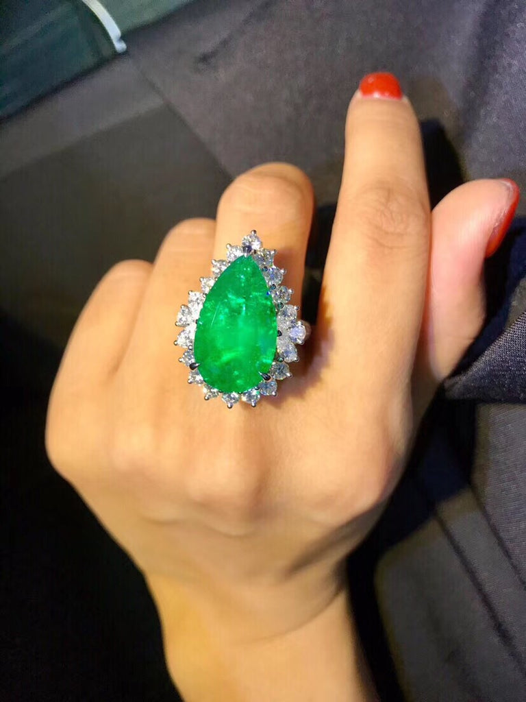 19k white gold diamond emerald vivid green ring - Xingjewelry