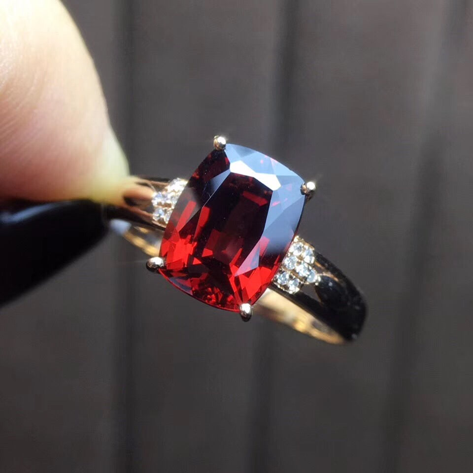 18k gold pigeon blood garnet diamond ring - Xingjewelry