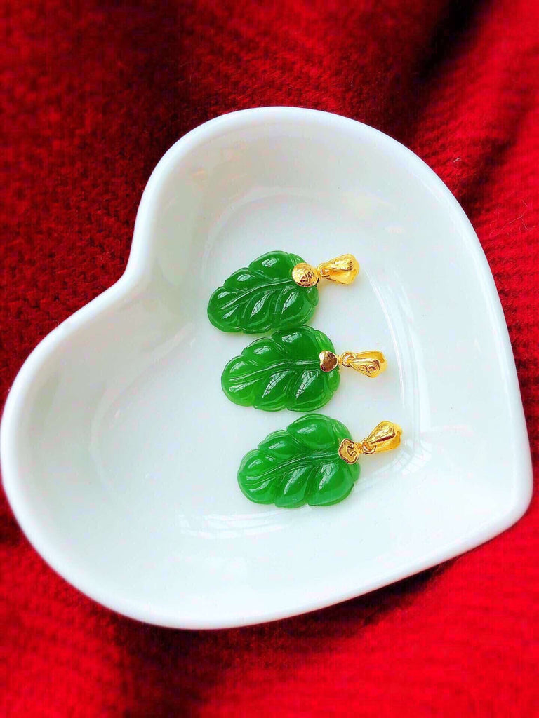 18k gold green jade pendant necklace