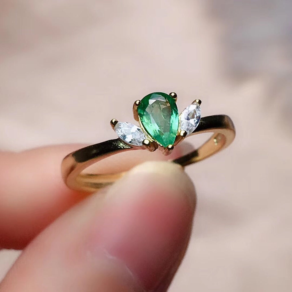 925 sterling silver emerald stone ring