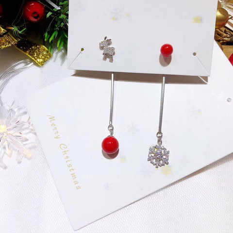 Christmas reindeer snow flake earring