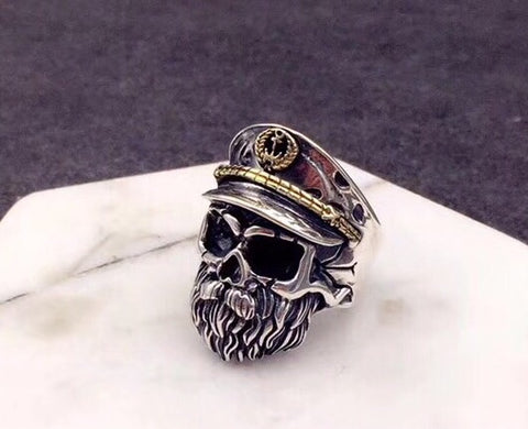 WORLD WAR TWO OLD CAPTAIN SKULL RING