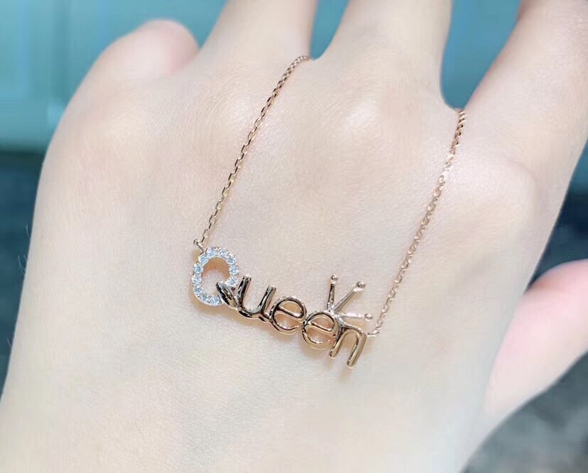 18k rose gold queen pendant necklace - Xingjewelry