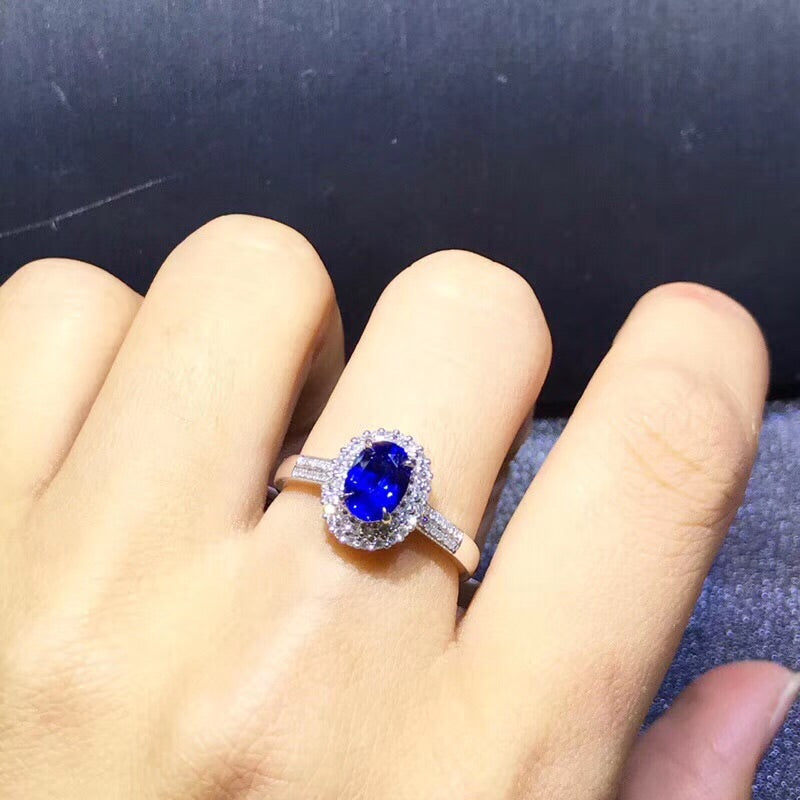 White gold blue sapphire stone ring