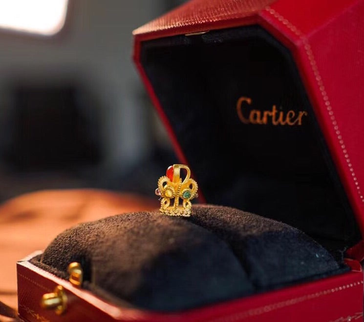 Solid gold ruby crown pendant