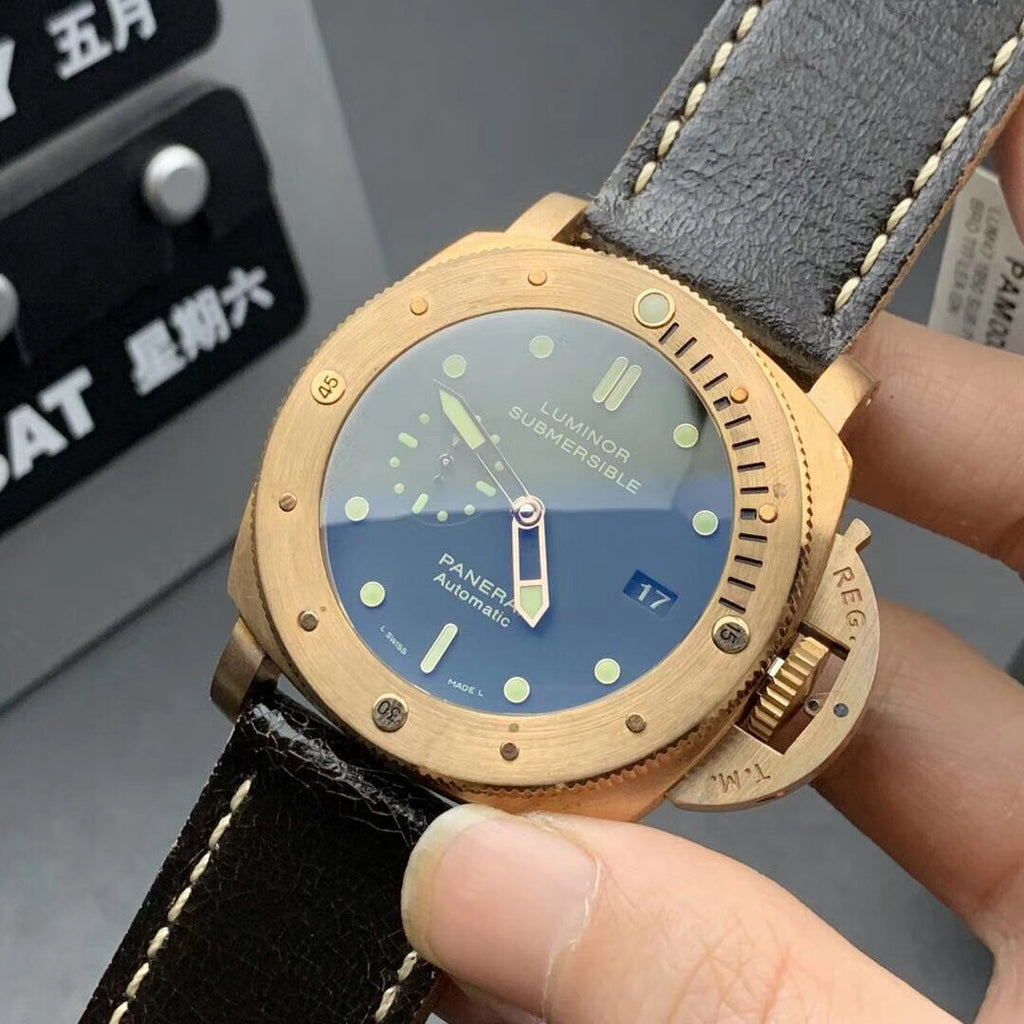 Luminor submersible automatic watch