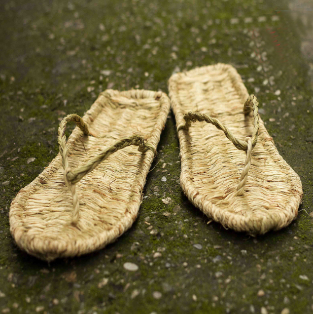 Natural straw sandal hand weave beach sandal bathroom grass sandals - Xingjewelry