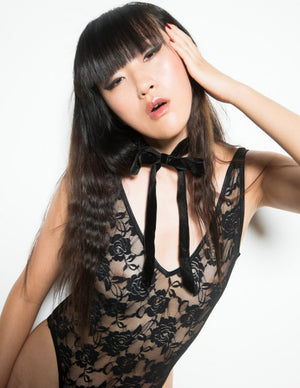 Lace High Cut V-Neck Bodysuit in Black