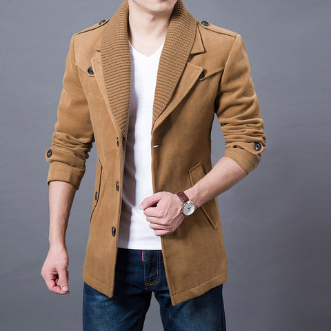 Design warm wool coat with single-breasted collar.
