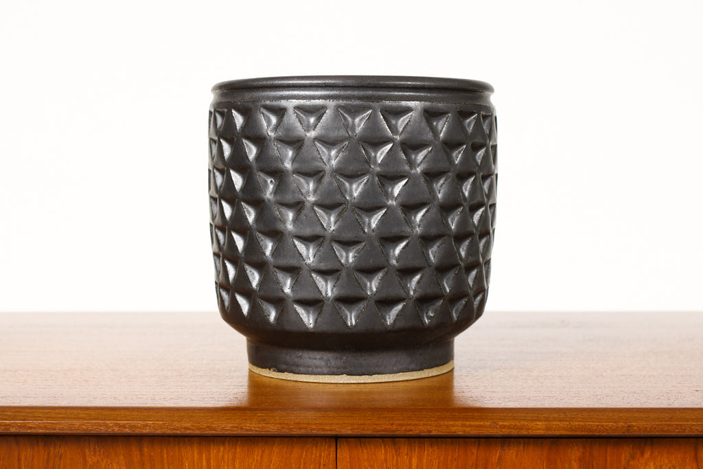 #1334 - Ceramic Stoneware Planter — Large Delta pattern —Black Glaze — P39
