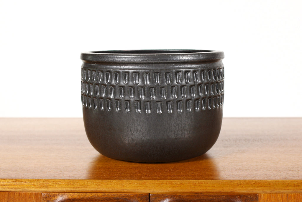 #1562 —Ceramic Stoneware Modernist Planter — Large Facet pattern — Matte Black Glaze — P79