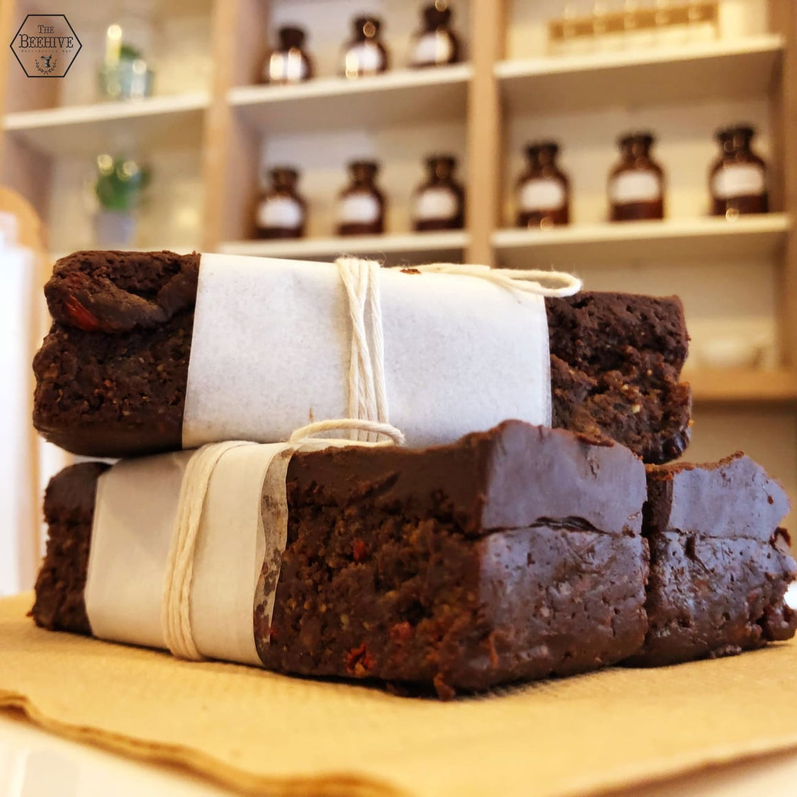 Chocolate Goji Fudge Superfood Slice - The Beehive Well-Beeing Bar
