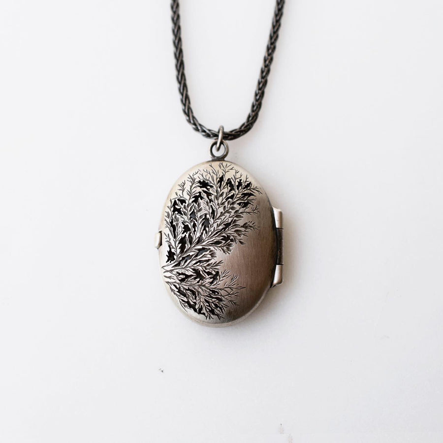 Thicket locket