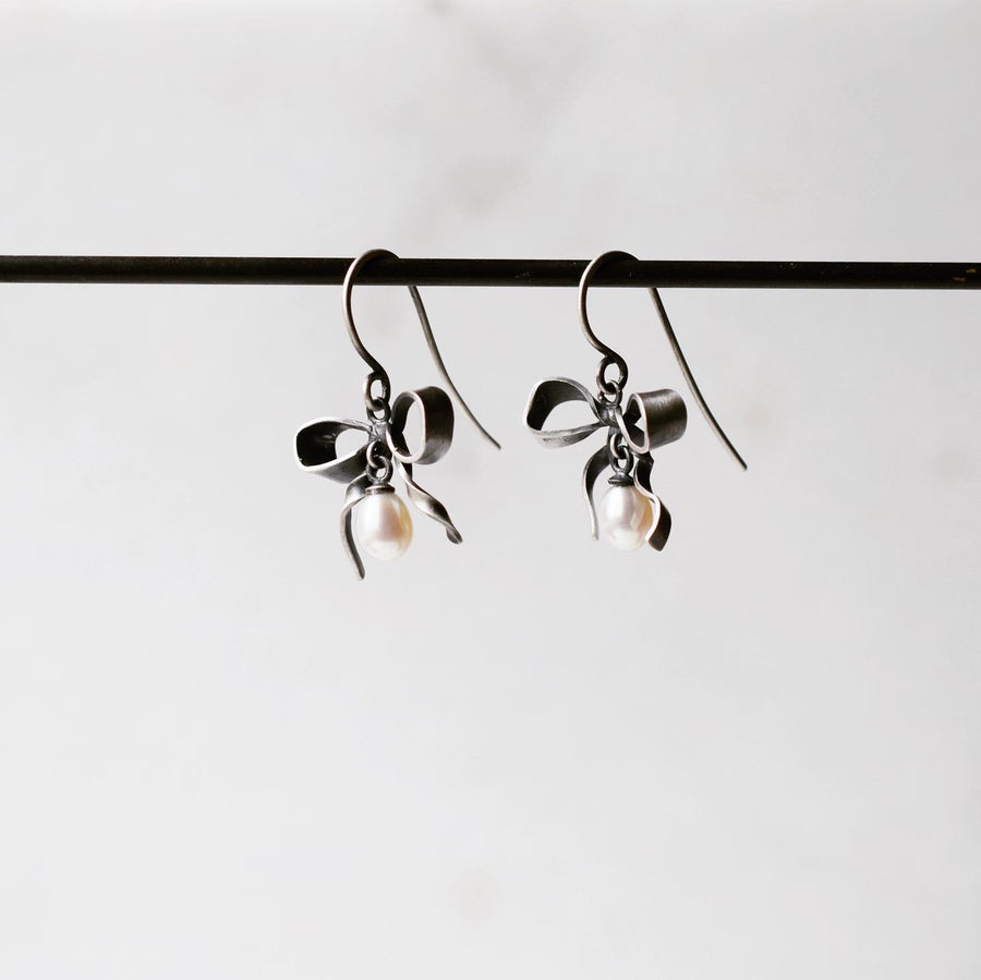 Pearl Little Bow Earrings