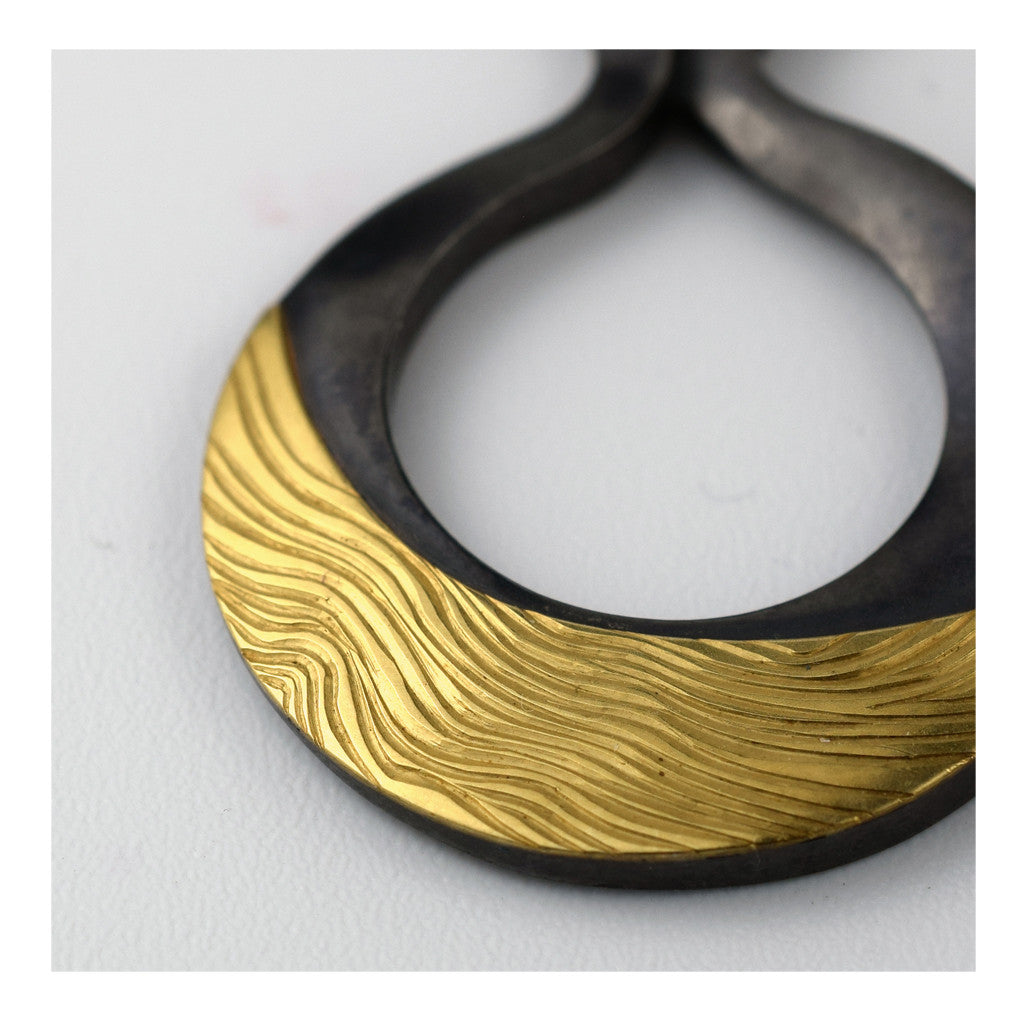 Meandering Venus Necklace