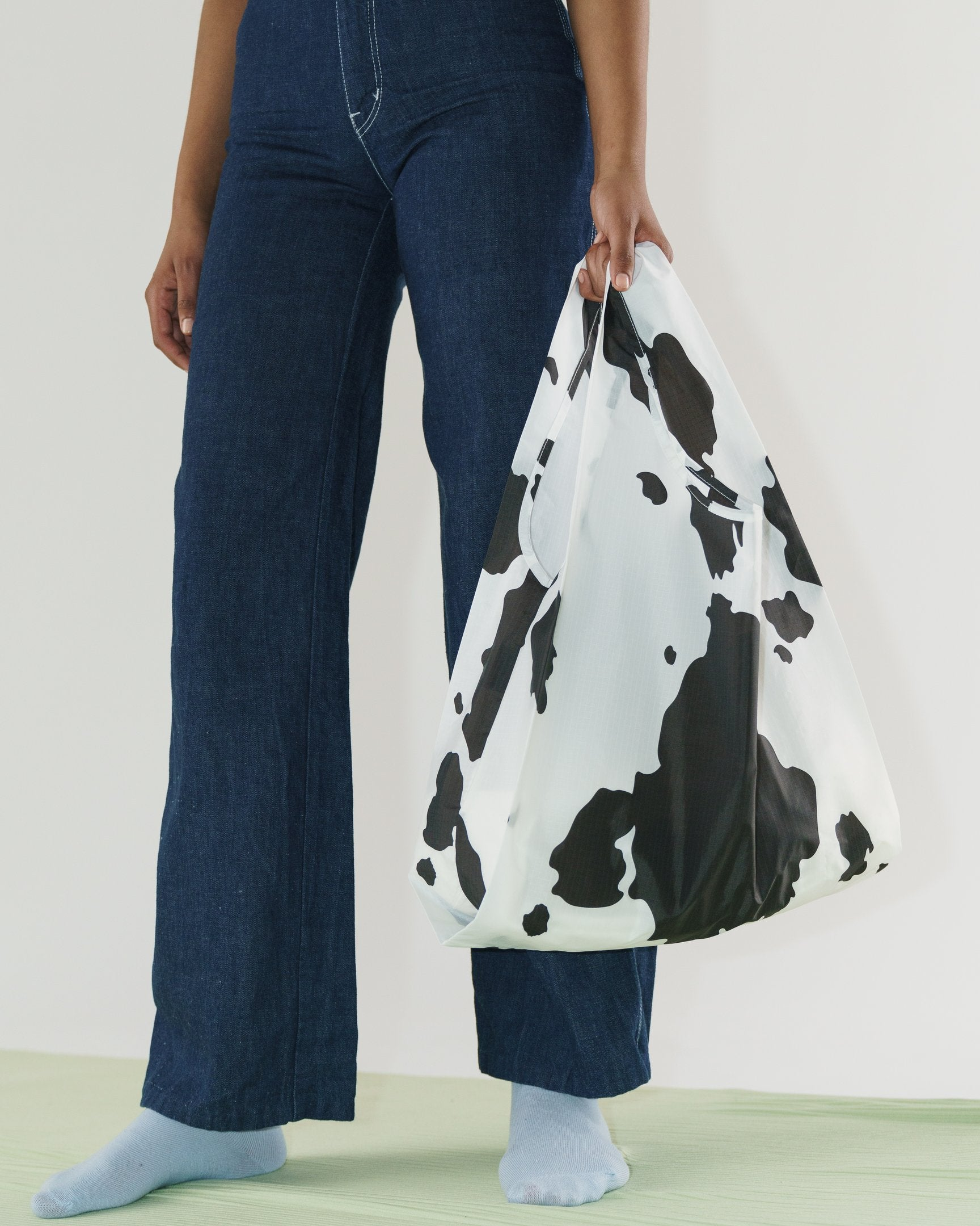 Standard Baggu (Black and White Cow)
