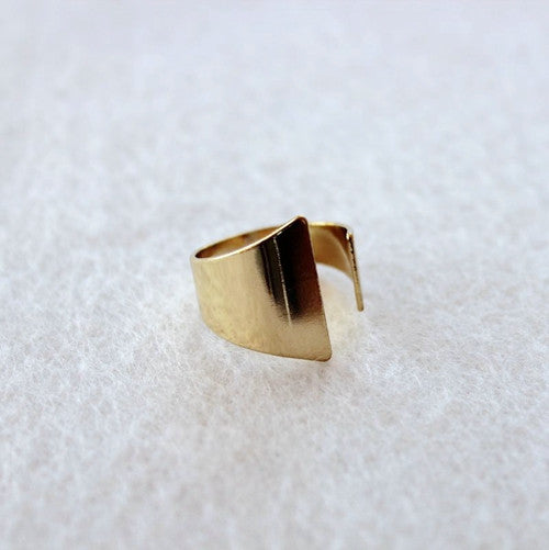 Twirlplate Ring