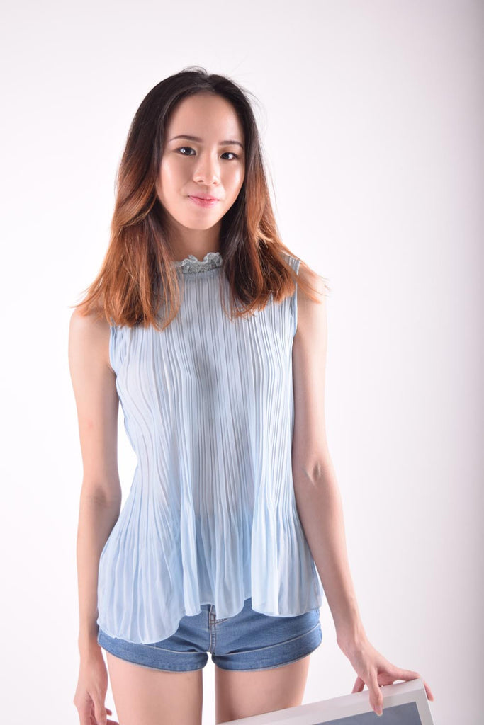 Hysanthe Pleated Collared Blouse