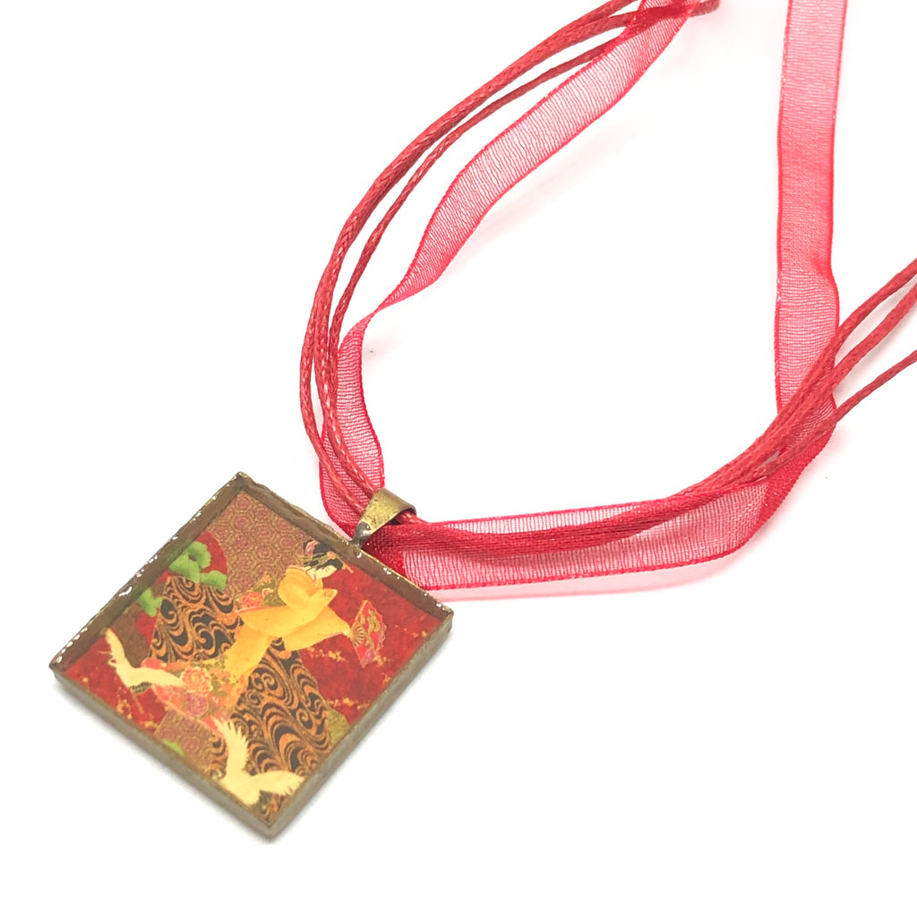 Finnegan Square Resin Necklace