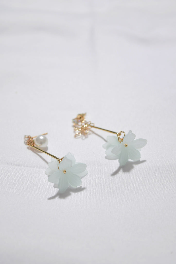 Pinewood Layered Floral Earrings