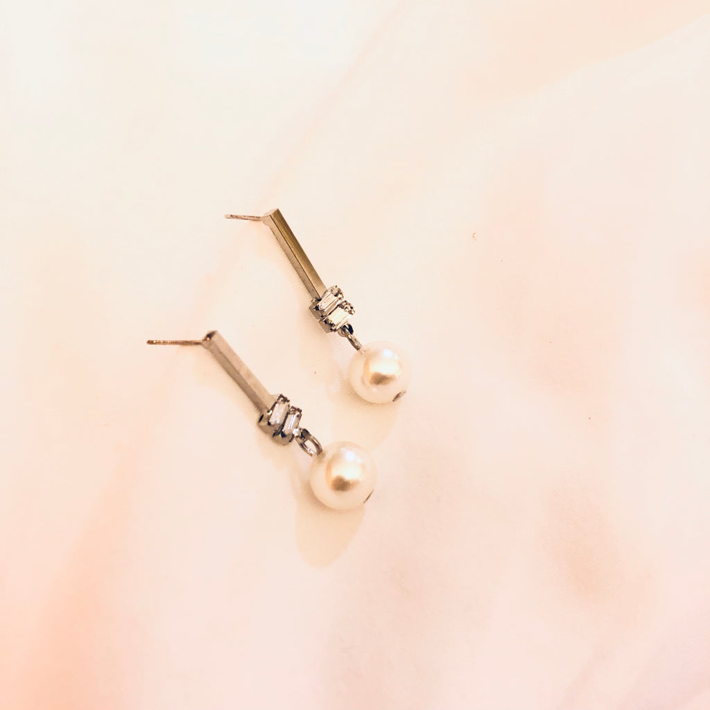 Xavina Diamond String Earrings
