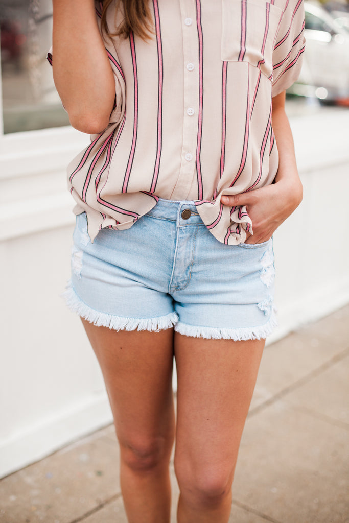 Keep It Real Frayed Denim Shorts - Light Wash