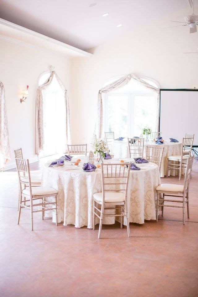 Linen - Ivory Chopin Damask - Main Street Weddings & Events