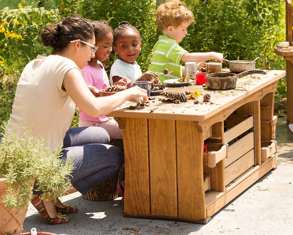 "Outlast Classic Mud Kitchen 56 cm (22"") by Community Playthings - louisekool"