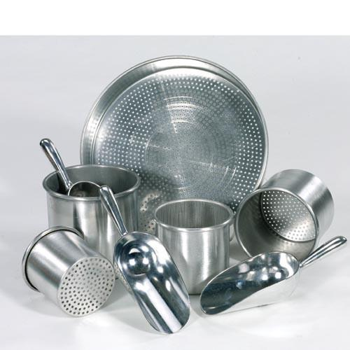 Scoops and Sifter Set of 8 - louisekool