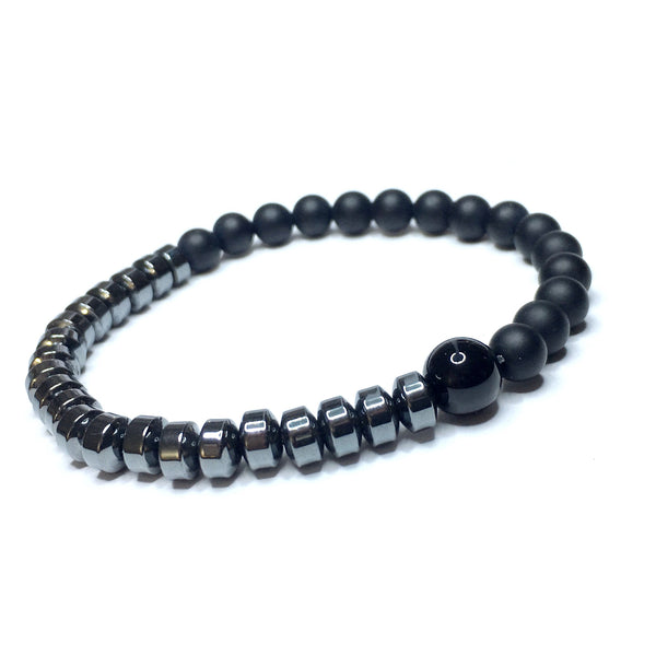 The Black Bracelet - Elegance Based on Simplicity