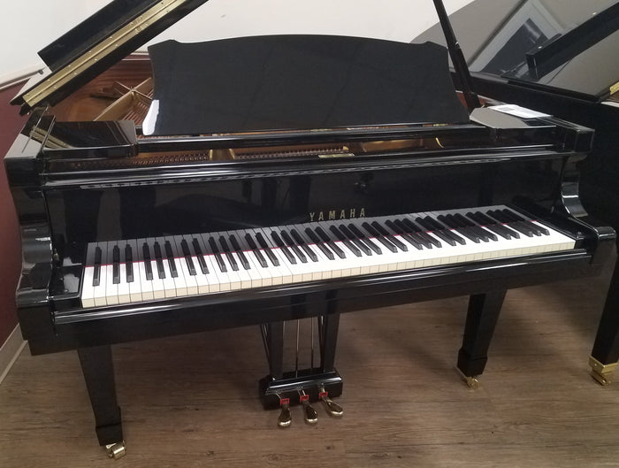 Yamaha Used Grand Piano model S 400