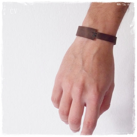 Asymmetric Celtic Brown Leather Bracelet