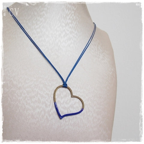 Minimal Hollow Heart Necklace