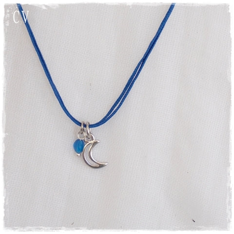 Crescent Moon Dainty Pendant Necklace