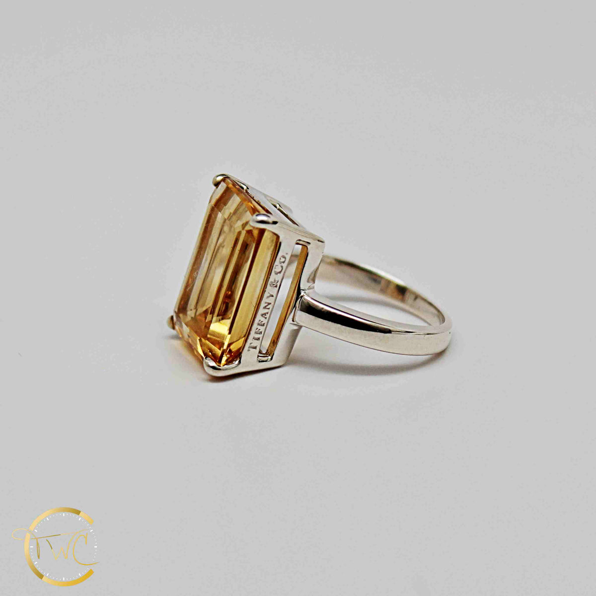 22ee10524 Tiffany & Co Sparklers Cocktail ring Emerald cut 9 carat Citrine ...