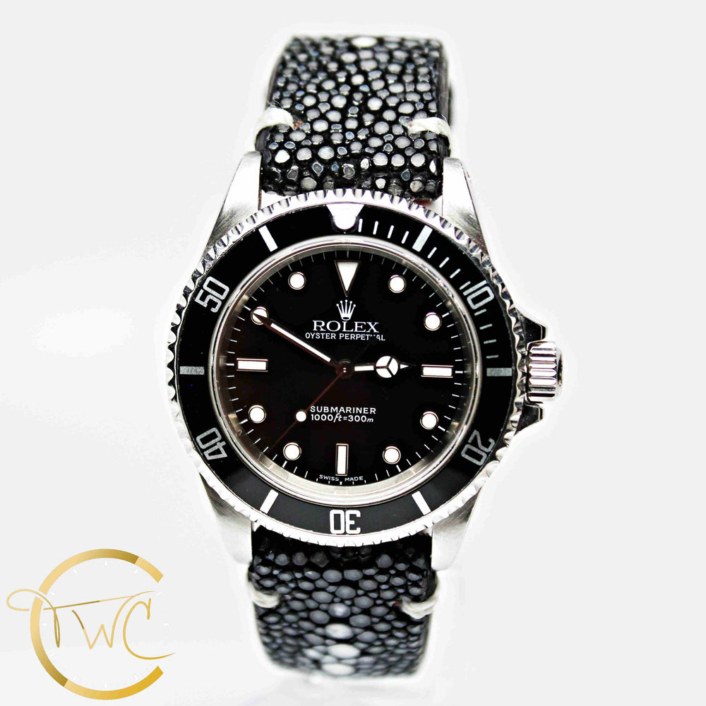 Rolex Submariner Stainless Steel 40mm 2000 P Serial Ref 14060 Stingray