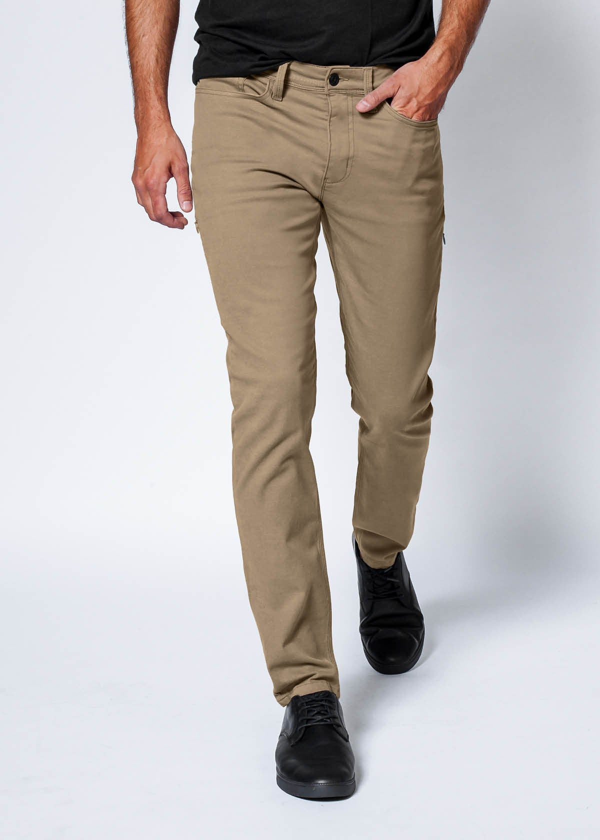 Live Lite AC Pant in Sahara by DUER