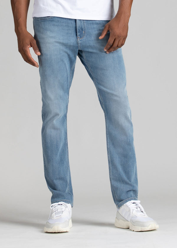 mens light wash relaxed fit stretch jeans front