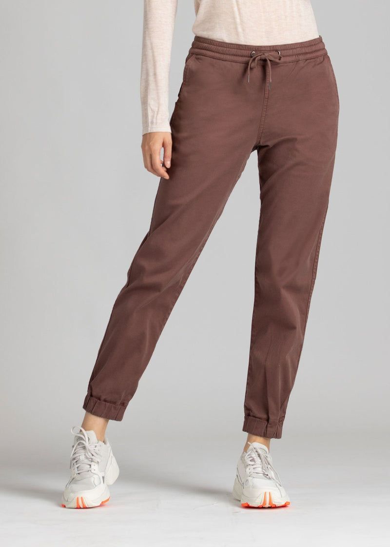 Woman wearing brown Athletic Jogger front